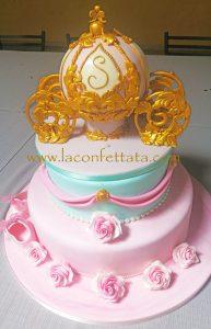 torta Battesimo con carrozza