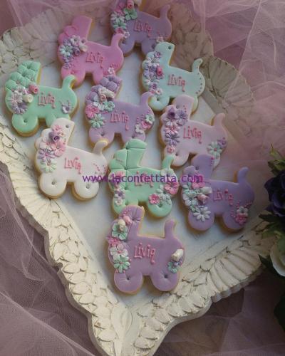biscotti-decorati-battesimo-carrozzina-livia