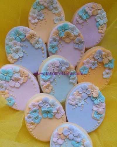 biscotti-decorati-battesimo-ovale-fiorellini
