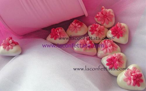 confetti-decorati-fiori-rosa