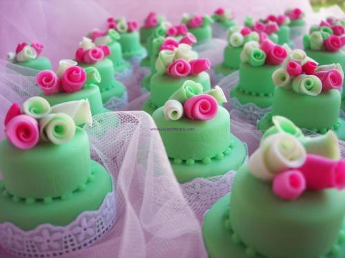 mini cakes bomboniere