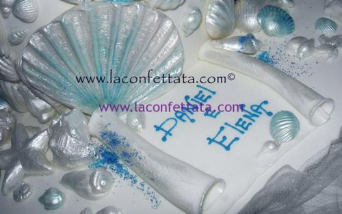 torta-matrimonio-bianca-conchiglie-azzurre-particolare