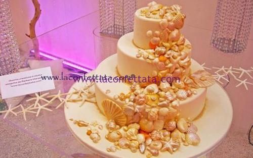 torta-matrimonio-bianca-conchiglie-giallo