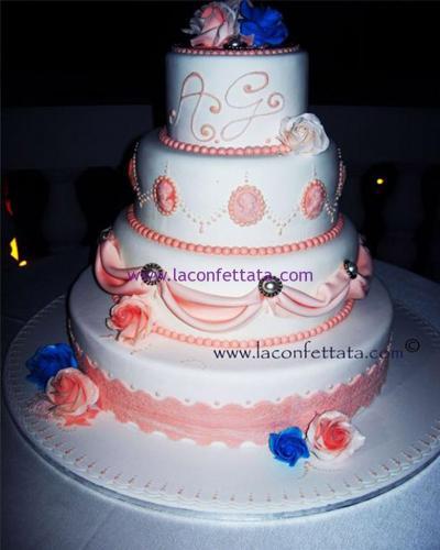 torta-matrimonio-bianca-decorazioni-rosa
