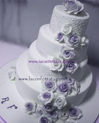 torta-matrimonio-bianca-rose-bianche-lilla