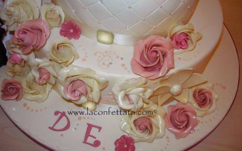 torta-matrimonio-bianca-rose-rosa-avorio-particolare-rose