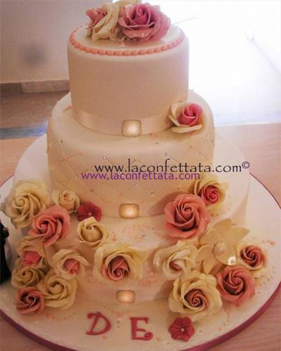 torta-matrimonio-bianca-rose-rosa-avorio