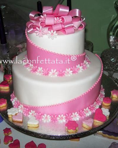 torta-matrimonio-bianco-rosa-nastri-fiori