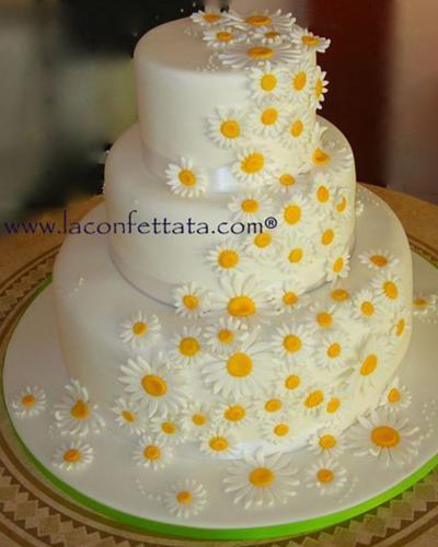 torta-matrimonio-cascata-margherite