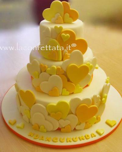 torta-matrimonio-cuori-tonalita-giallo